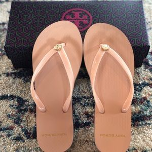 Tory Burch solid thin flip flop in perfect blush